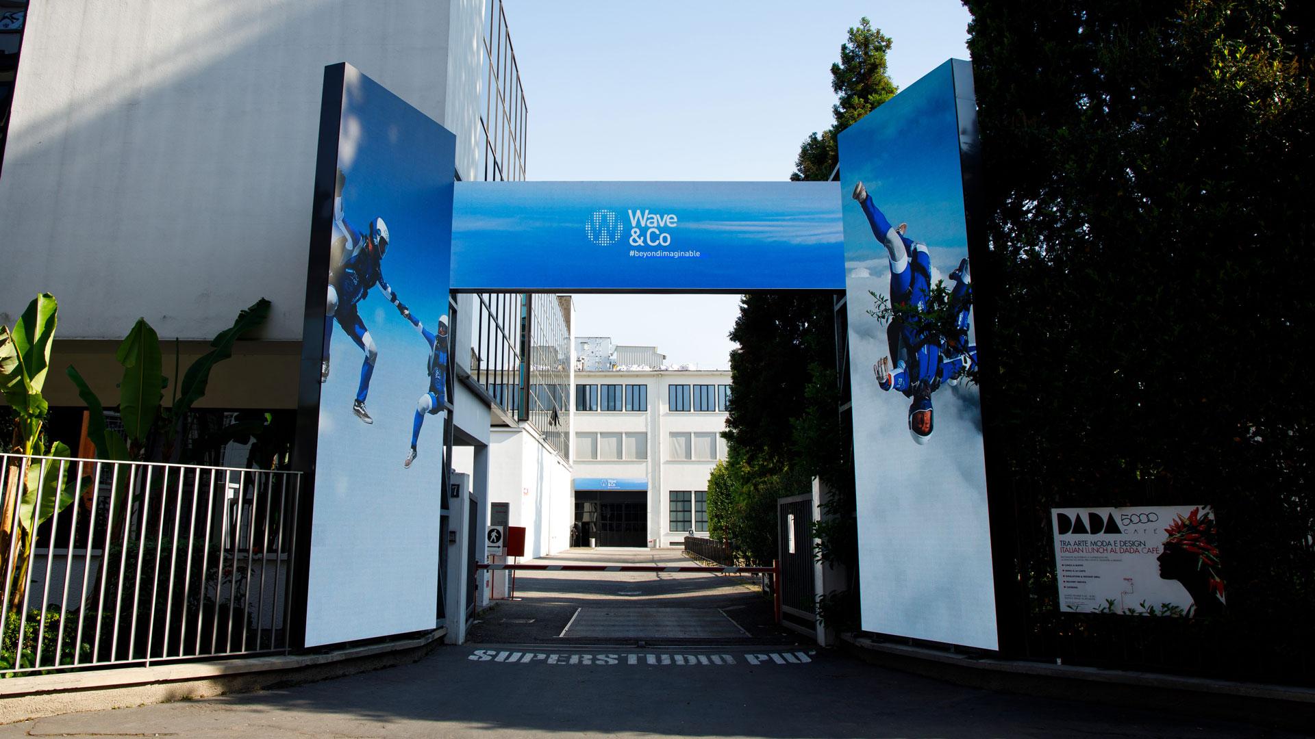 Il portale di Superstudio, soluzione DOOH di Wave&Co