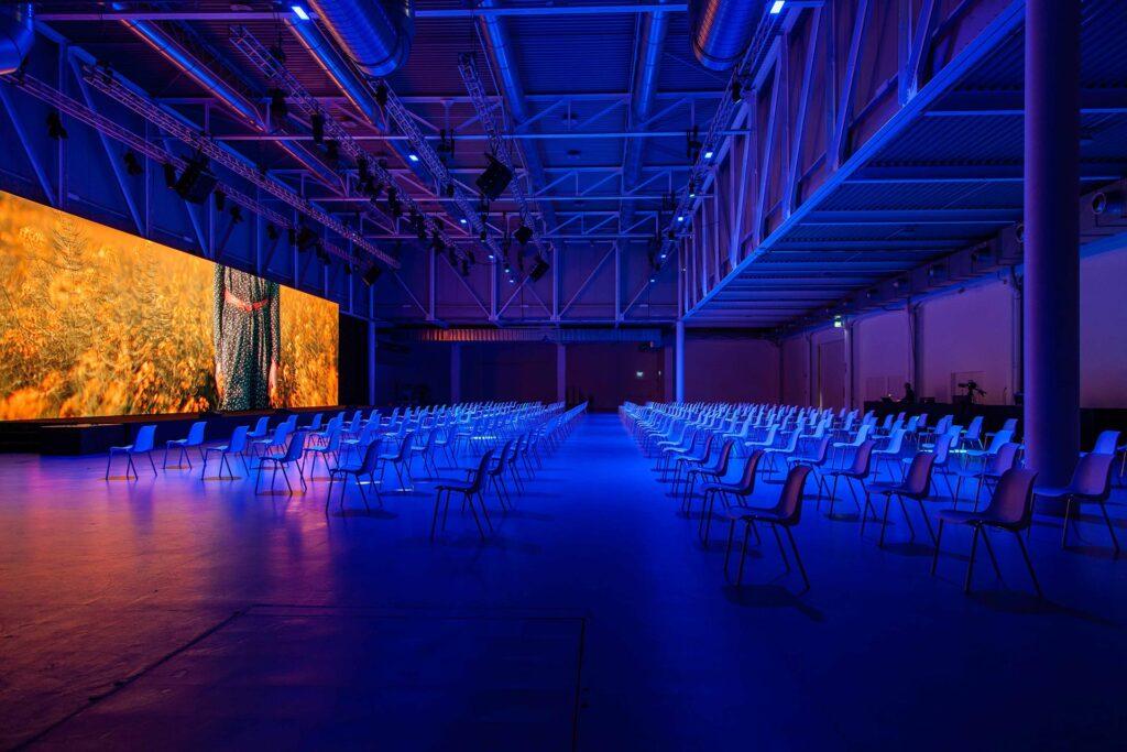 Eventi ibridi, la risposta di Wave&Co, Audio Lux e Superstudio per distanziamento sociale e divieto di assembramenti