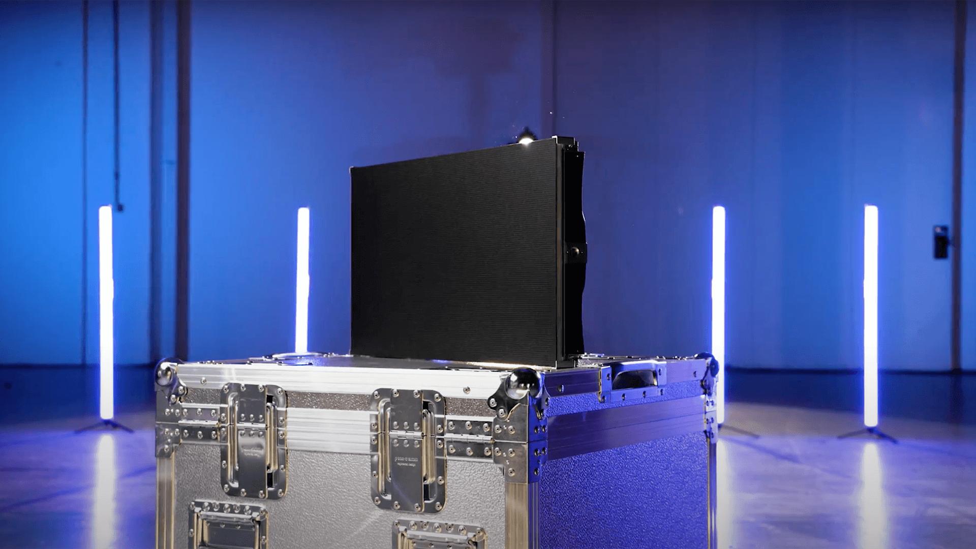 Entra nel mondo Wave&Co: leader in Italia per vendita, noleggio, progettazione, installazione e contenuti per schermi led, ledwall e maxischermi.
